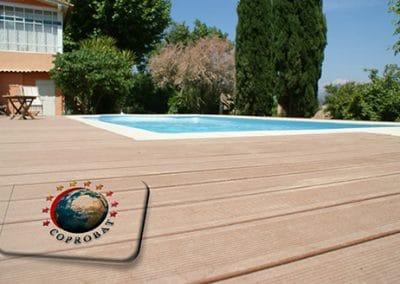 Conception et pose de terrasse composite non couverte pour centre de vacances à Bordeaux pour lieu recevant du public