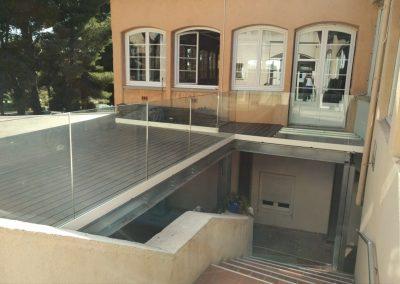 Terrasse lames composites sur ossature acier milieu ERP à La Couronne 13500 Martigues