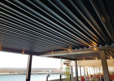 Terrasse du restaurant Le Bistro en pergolas bioclimatiques à Cassis 13