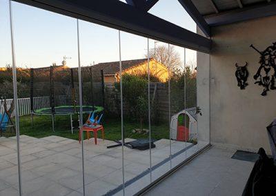 Fermeture de terrasse en rideaux de verre près de Nîmes dans le Gard 30