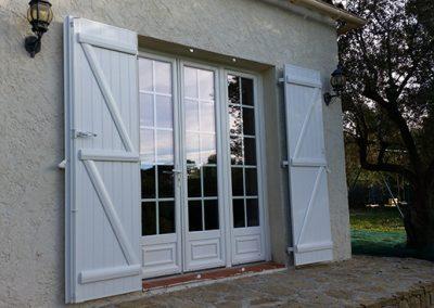 Menuiseries PVC fenêtres et portes fenêtres pour une maison