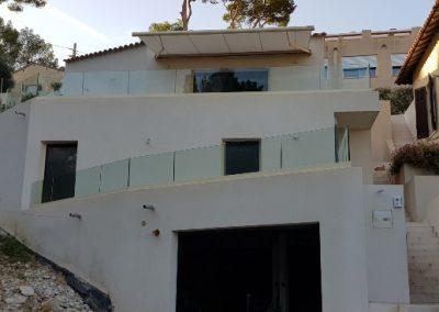 Garde-corps vitré pour une protection de terrasses à Ensuès-la-Redonne 13