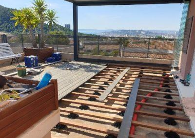 Terrasse lames composites Fiberdeck Soltéa  (BROOKLYN) pour un appartement à Marseille 13009